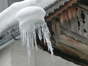 Gutter Damage Caused by Snow On Long Island | Ice Formation