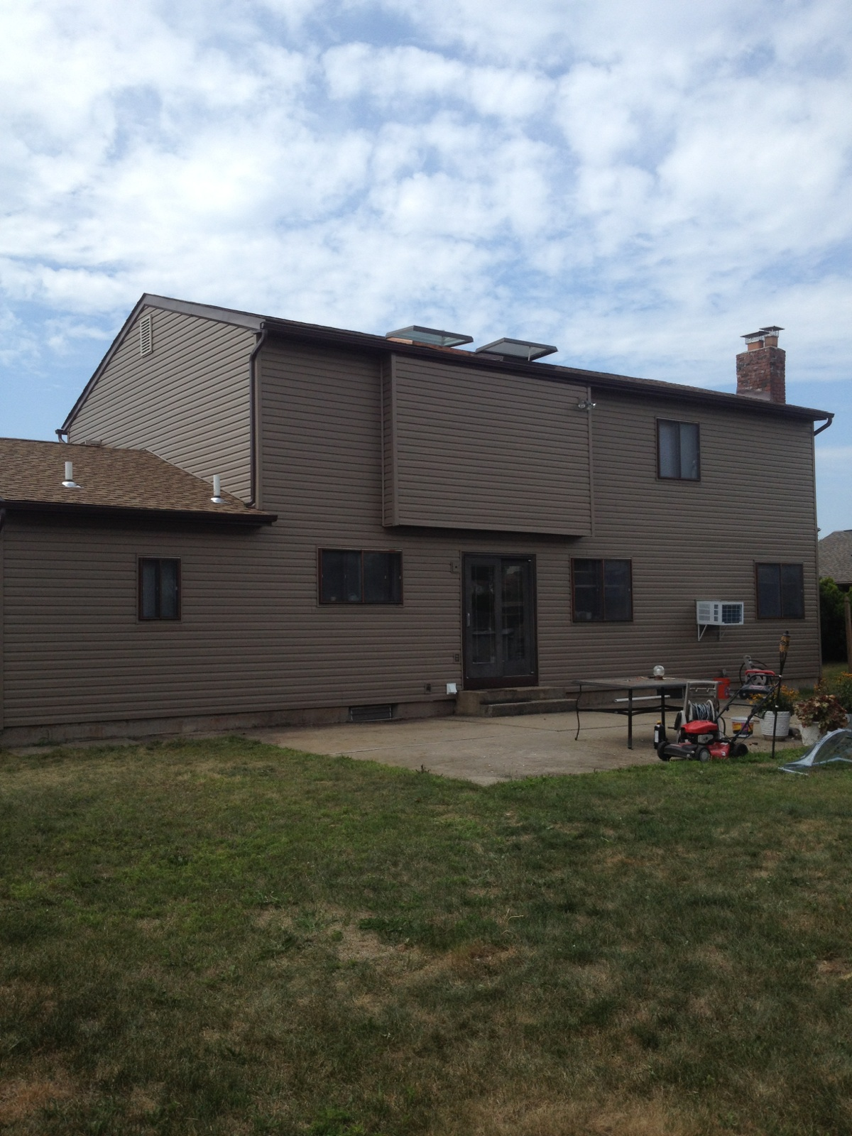 Exterior: Vinyl Siding Project From Sunrise Roofing & Chimney